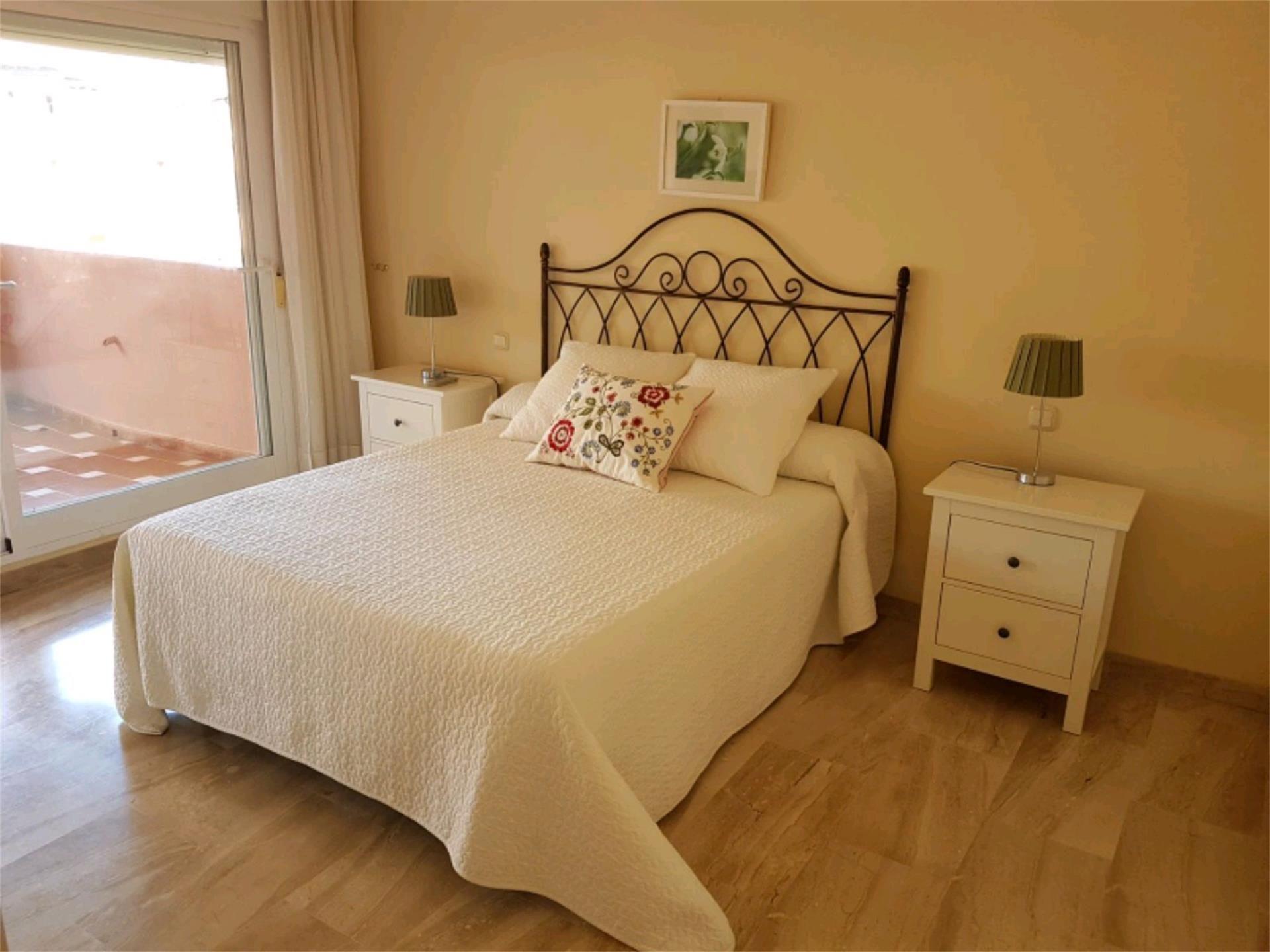 Ático de alquiler en Avenida de Los Andaluces, 60, Paraíso - Atalaya- Benamara (El Paraíso, Málaga)