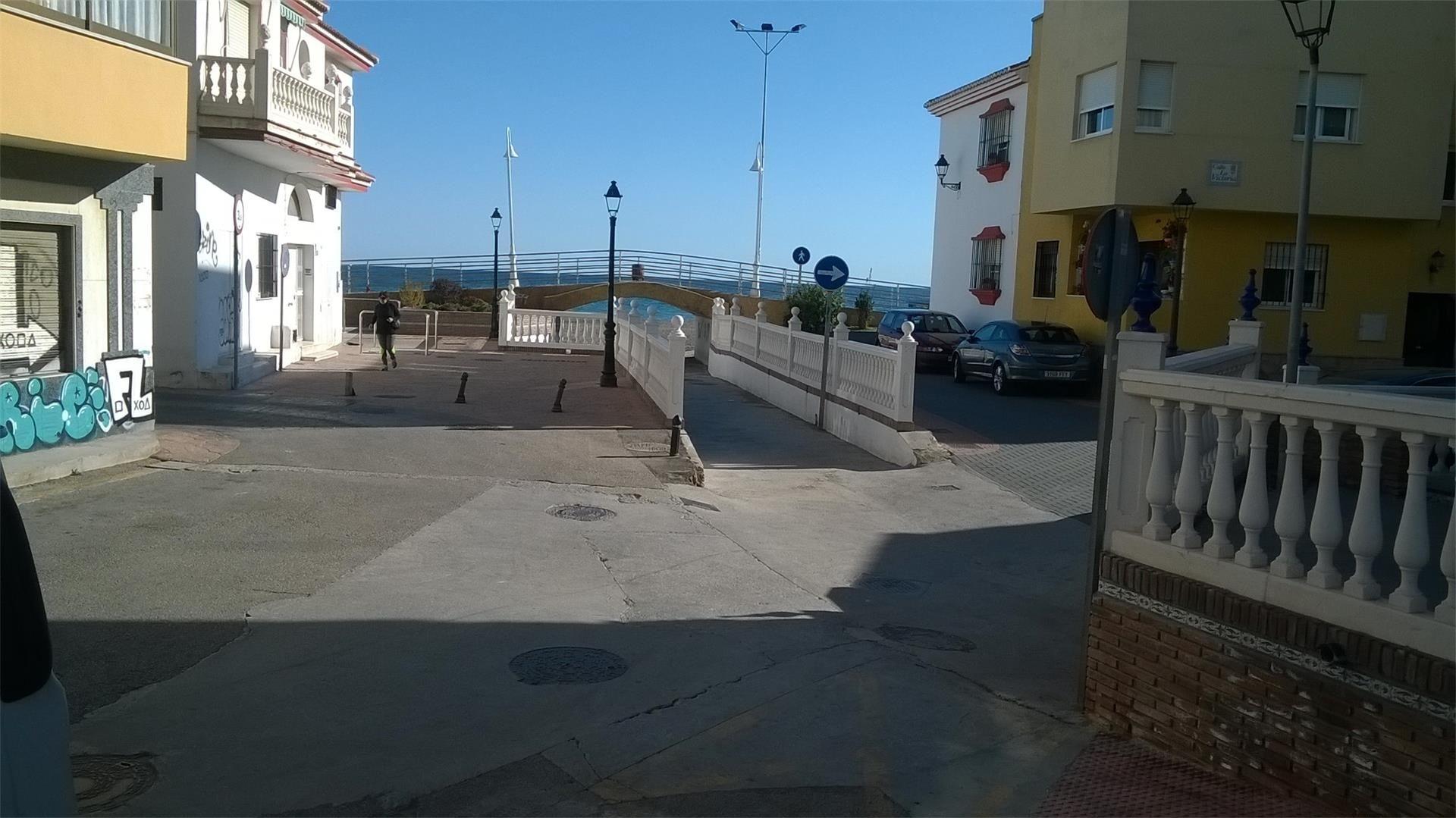 Local de alquiler en Plaza de la Laguna, 2, La Cala del Moral (La Cala del Moral, Málaga)