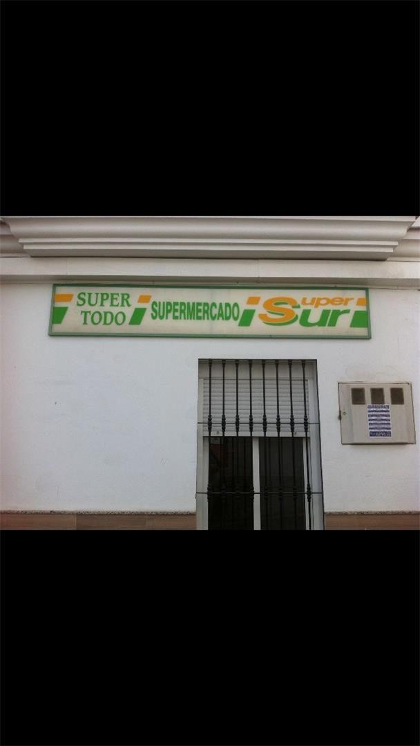 Local de alquiler en Avenida de la Constitución, Álora (Álora, Málaga)