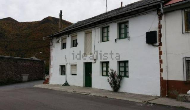 Casa adosada en Venta en  de Villablino, Casas ado