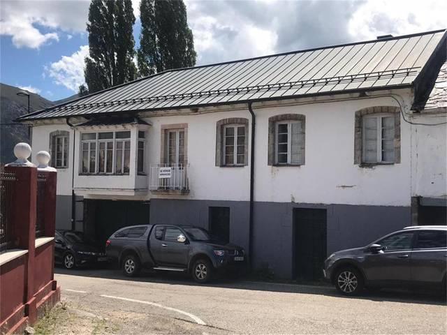 Casa adosada en Venta en Carretera General de Cabr