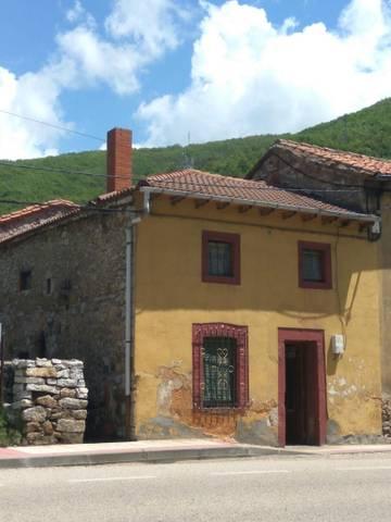 Casa adosada en Venta en Calle Mayor,  de La Robla