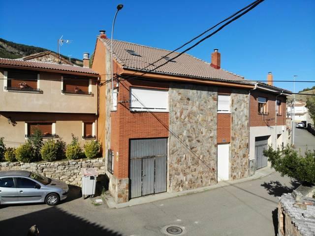 Casa adosada en Venta en Calle Real de La Robla ,
