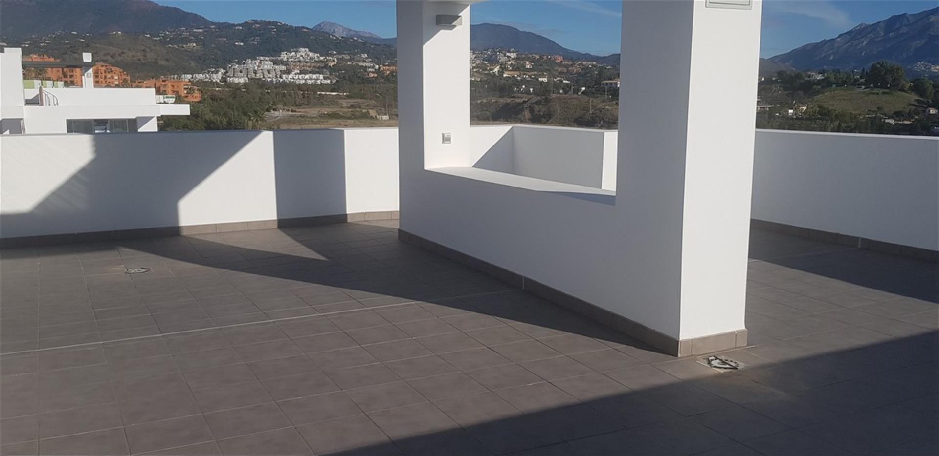 Piso de alquiler en Urbanización Marqués de Atalaya, Paraíso - Atalaya- Benamara (El Paraíso, Málaga)