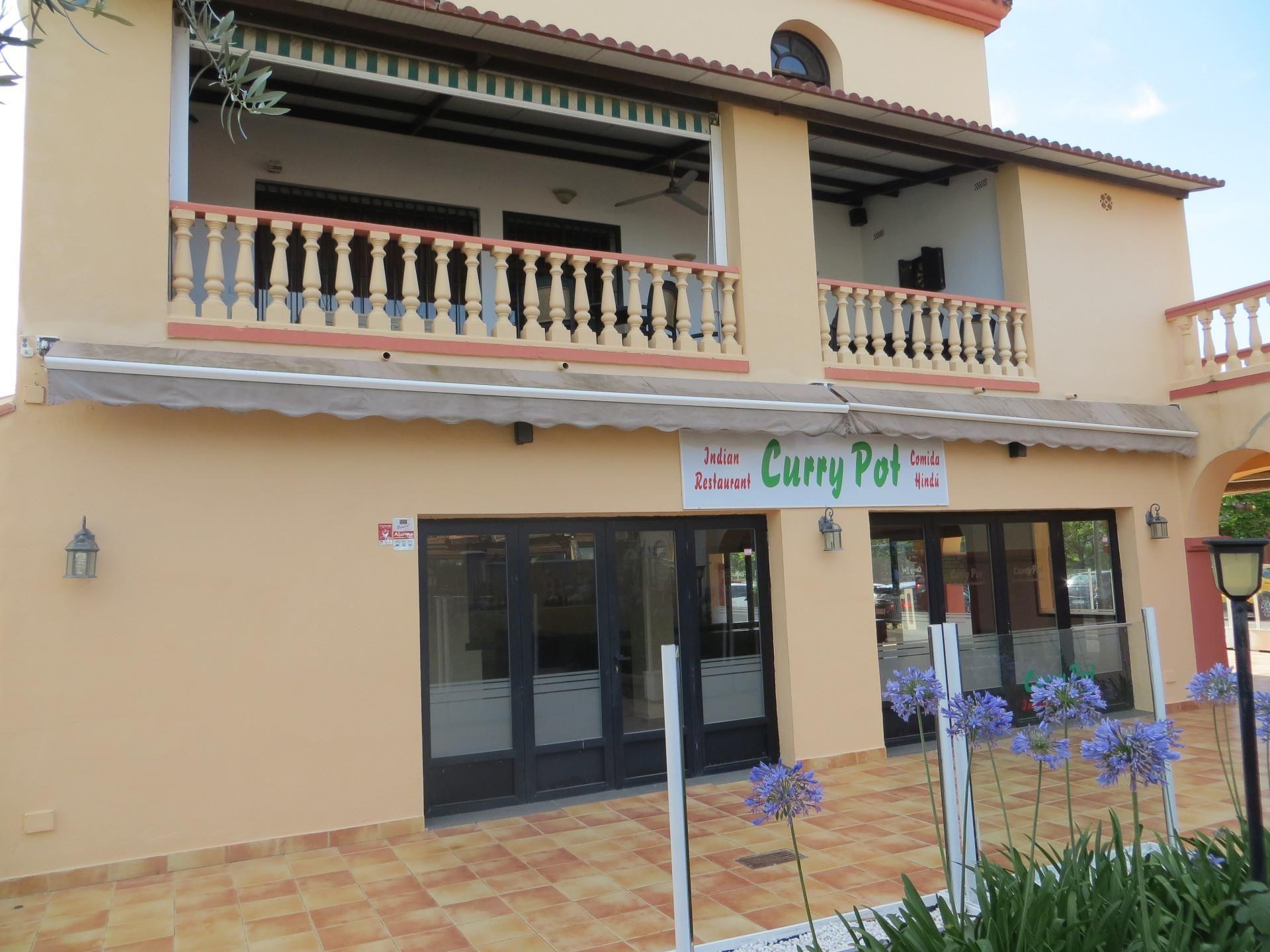 Local de alquiler en Calle Benavista, Paraíso - Atalaya- Benamara (El Paraíso, Málaga)