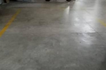 Garaje de alquiler en Calle Paterna, Zona Metro - Auditorio