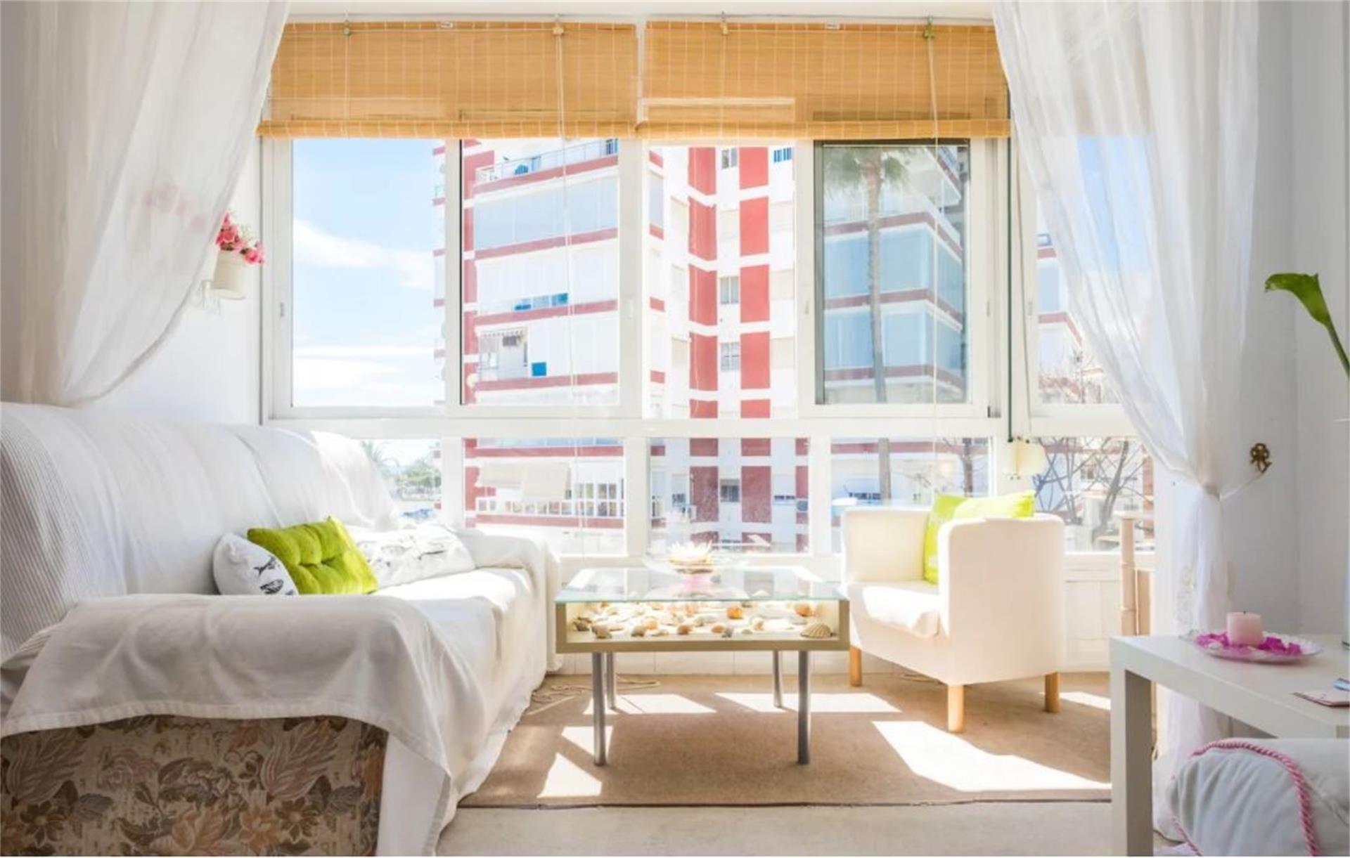 Apartamento de alquiler en Paseo Marítimo de Poniente, 60, Poniente - Faro (Torre del Mar, Málaga)