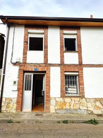Casa adosada en Venta en Carretera General, A de V