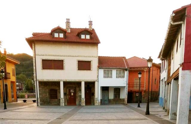 Casa adosada en Venta en Calle Del Cardenal Aguirr