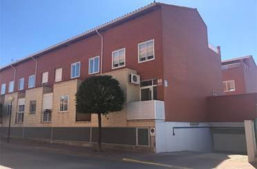 Casa adosada de alquiler en Calle Mayor, 33, La Muela