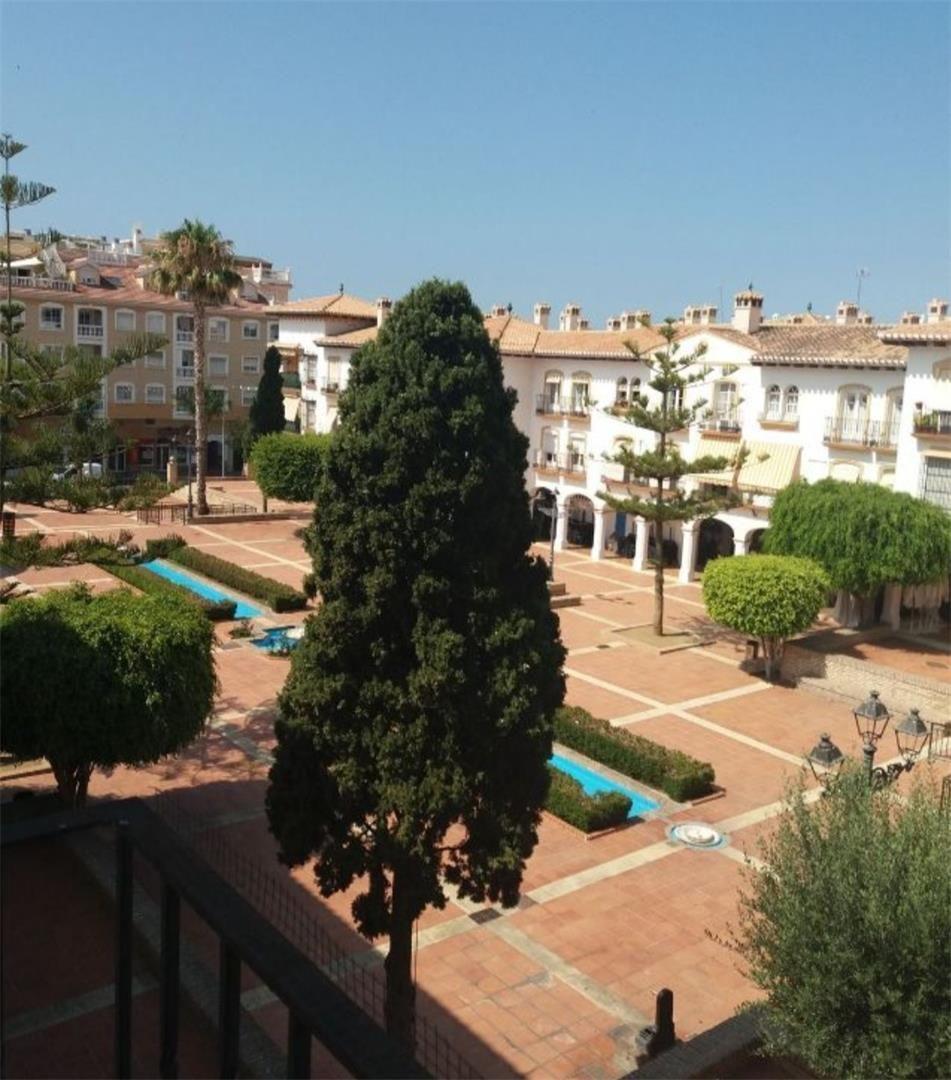 Piso de alquiler en Avenida Jábega, 5, La Cala del Moral (La Cala del Moral, Málaga)