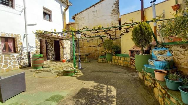 Casa adosada en Venta en Calle De Don Fernado Sala