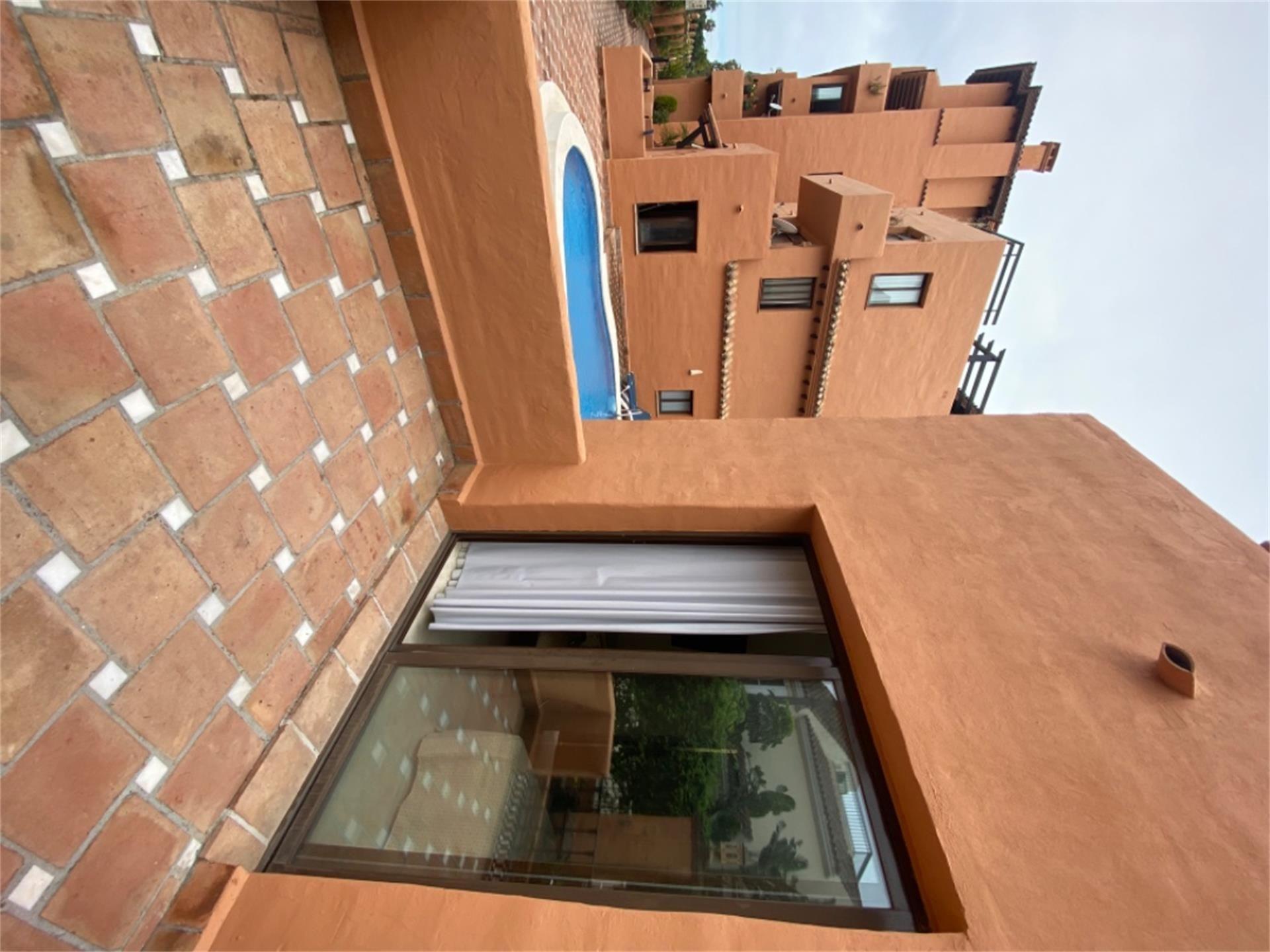 Piso de alquiler en Calle de la Rosa, Paraíso - Atalaya- Benamara (El Paraíso, Málaga)