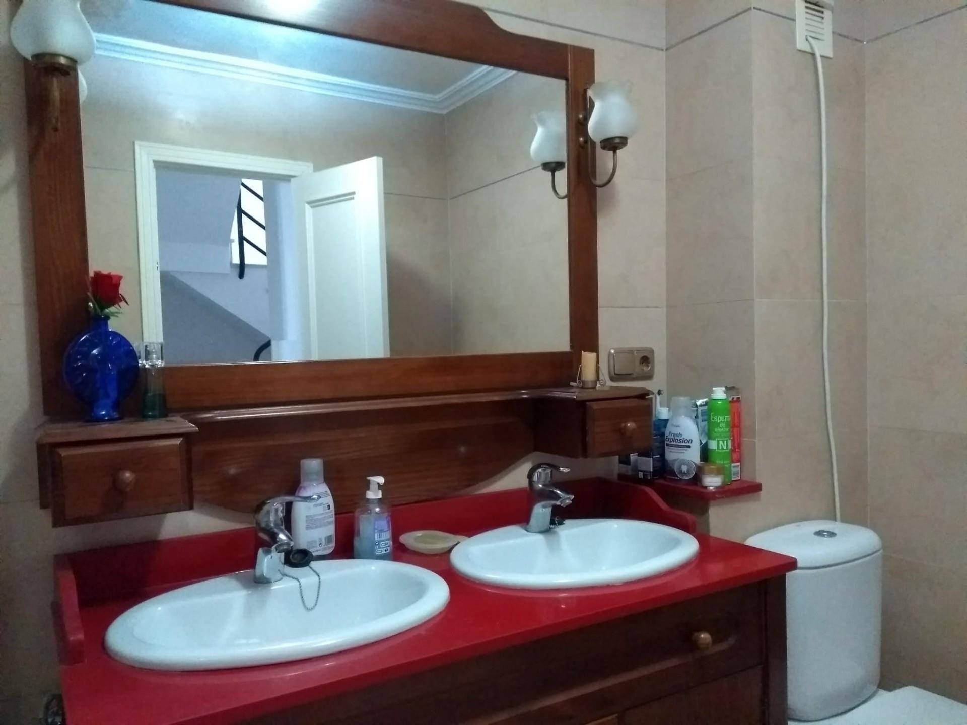 Casa adosada de alquiler en Urbanización Marina de Casares, 6053, Marina de Casares (Marina de Casares, Málaga)