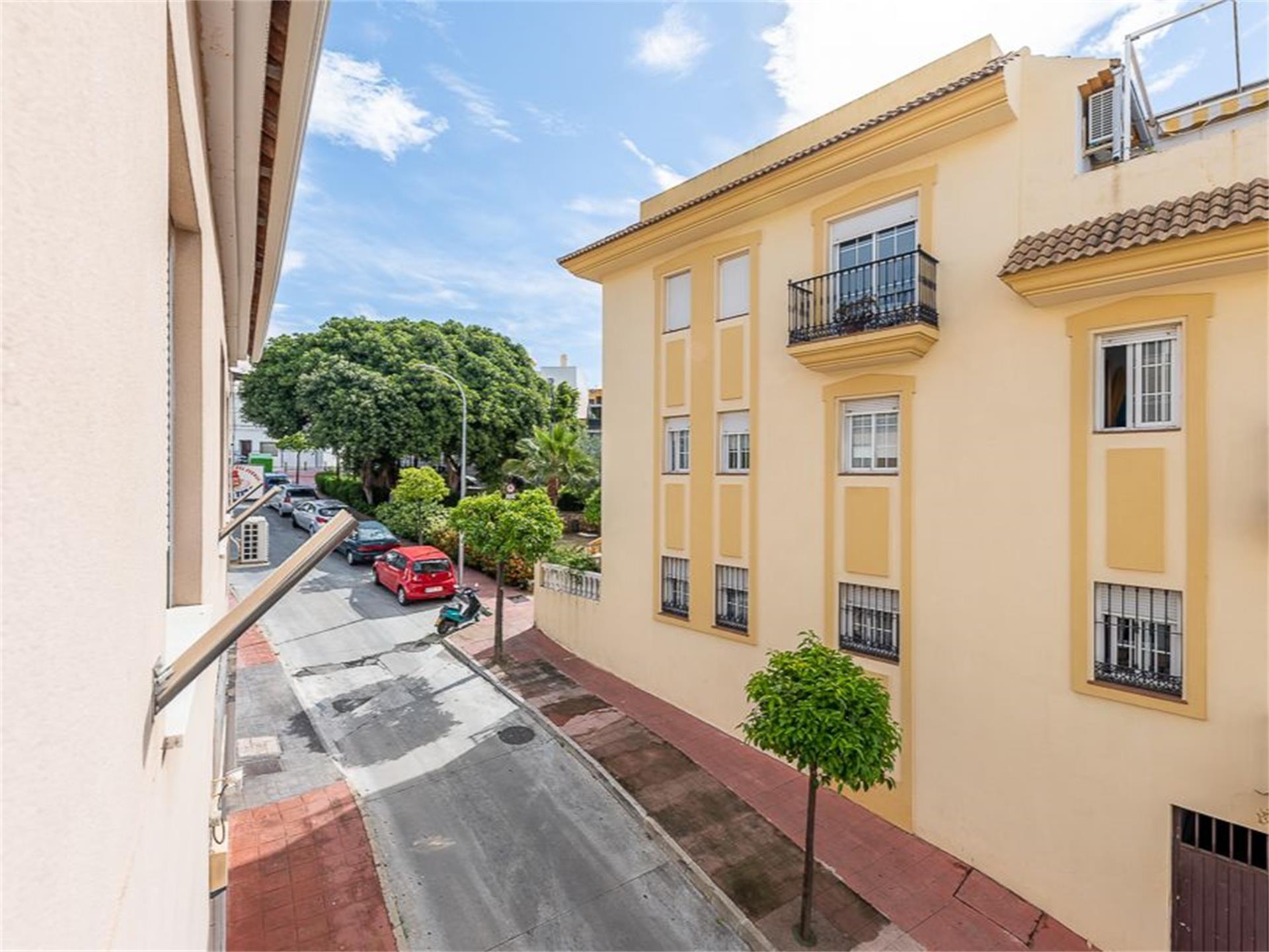 Oficina de alquiler en Calle Parra, Arroyo de la Miel (Benalmádena, Málaga)