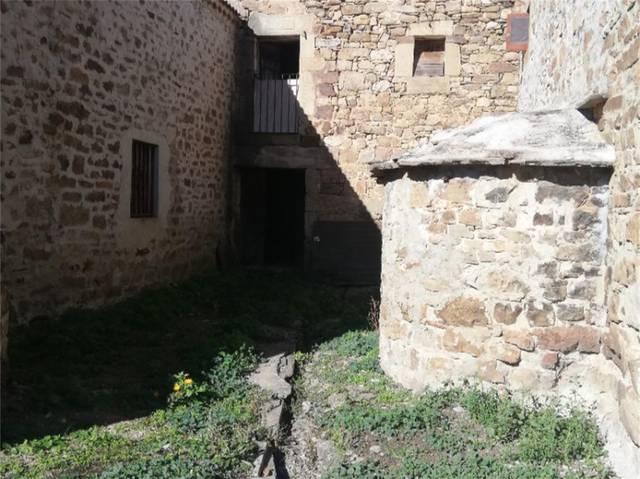 Casa adosada en Venta en Calle Real de Almarza, Ca