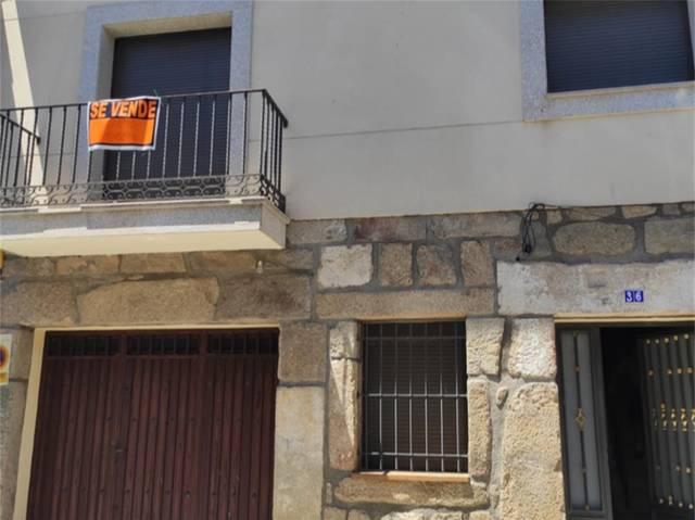 Piso en Alquiler en Calle Larga,  de La Adrada , P