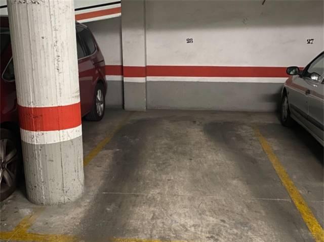 Garaje en Alquiler en Calle Pintor Lorenzo Casanov