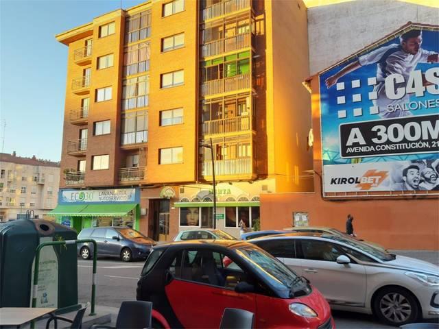 Piso en Alquiler en Calle Doña Constanza de Burgos