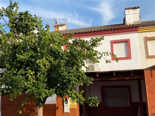 Casa adosada en Venta en Calle Lucio Del Cangrejo