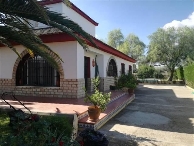 Casa adosada en Alquiler en Carmona, Sevilla de  S