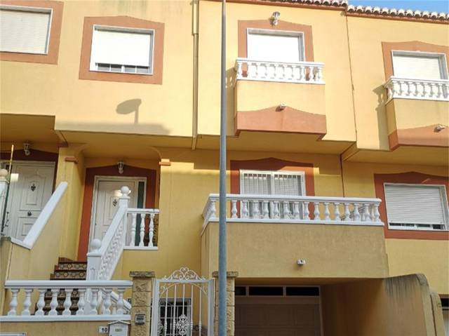 Casa adosada en Venta en Calle Eduardo Fajardo de
