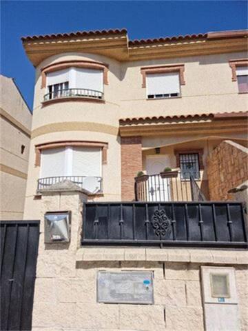 Casa adosada en Venta en Plaza Avenida Del Mediter