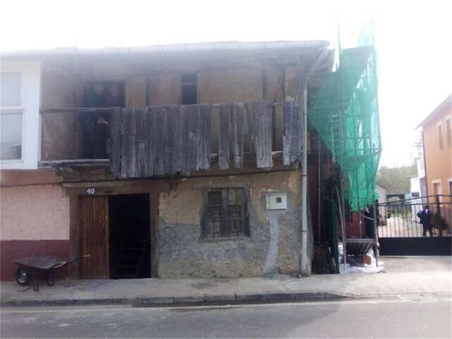 Chalet en Venta en Calle Real  de Camponaraya,  Ca