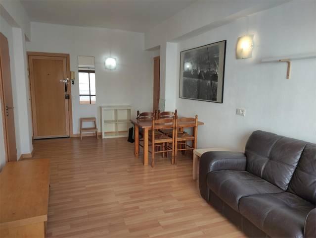Apartamento en Alquiler en Carrer Pare Rafael Serr