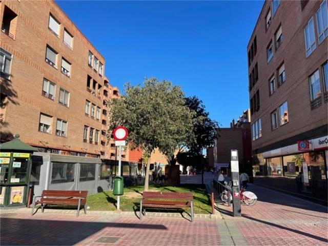Piso en Alquiler en Actur de  Zaragoza Capital, Pi