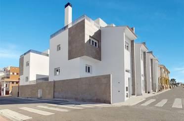 Casa adosada en venta en Calle María Blanchard, San Miguel