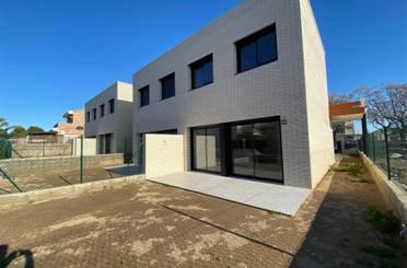 Casa adosada en venta en Calle August Renoir, 52, Ardiaca - La Llosa